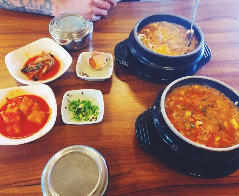 Spicy tripe & intestine and spicy soft tofu and minced beef soups
